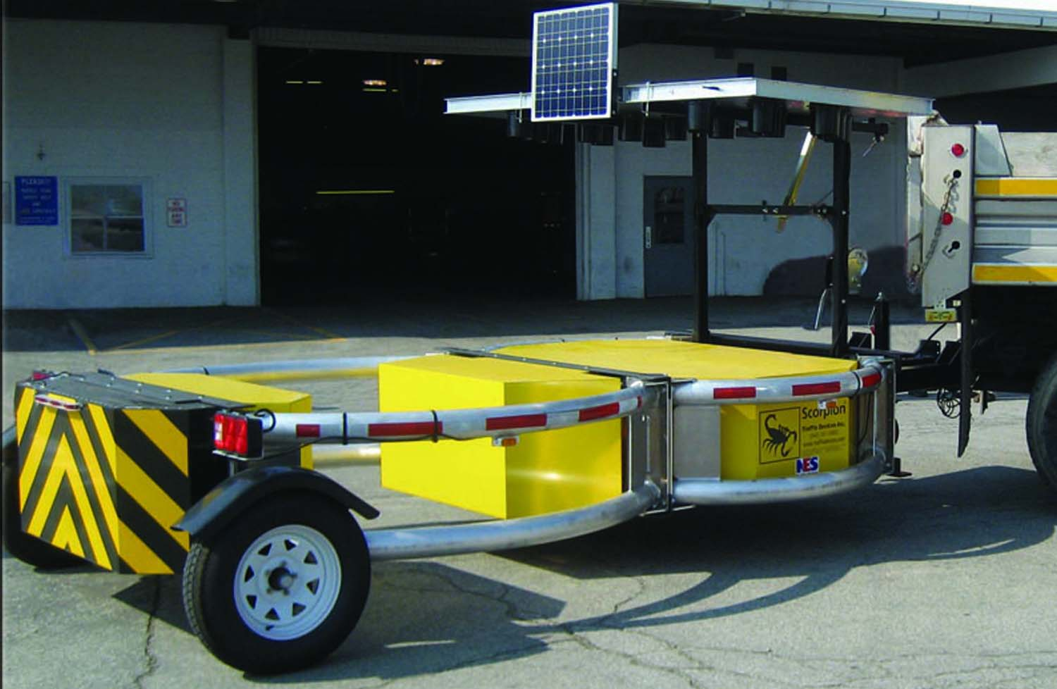 Bird-Dog-Traffic-Control-Equipment-Rentals-Scorpion-Trailer-Attenuator