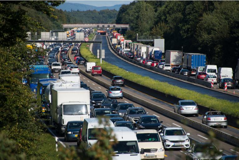 Bird Dog Traffic Control_Traffic Jam as a Result of a Traffic Incident